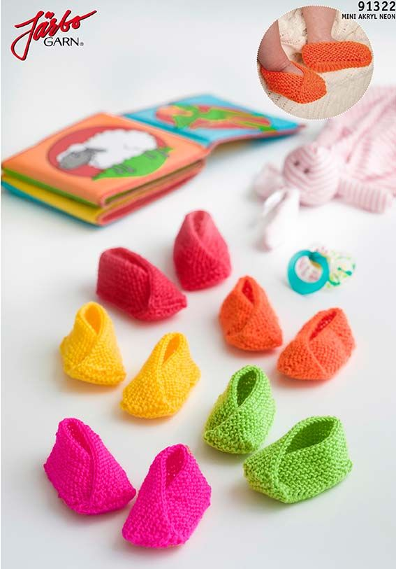Colorful baby slippers. Free pattern in Swedish, Danish and Norwegian on our website.