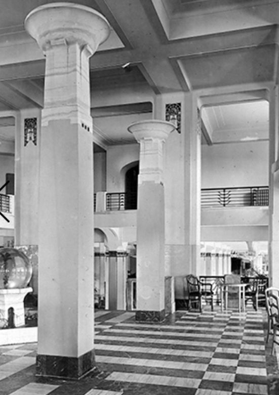Lobby Of The Traymore Hotel Atlantic City Nj Margate