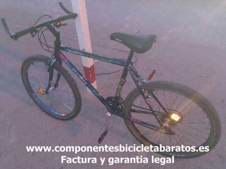 Bicicleta shimano 21 velocidades, de montaña, ruedas de 26 pulgadas, reflectantes. Propiedad de componentes bicicleta baratos en Zaragoza.
