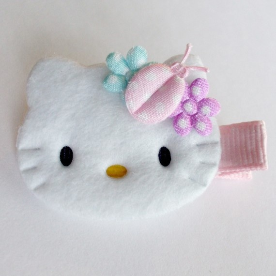 Hello Kitty Clippie...  ??? Fleece with a little bow...