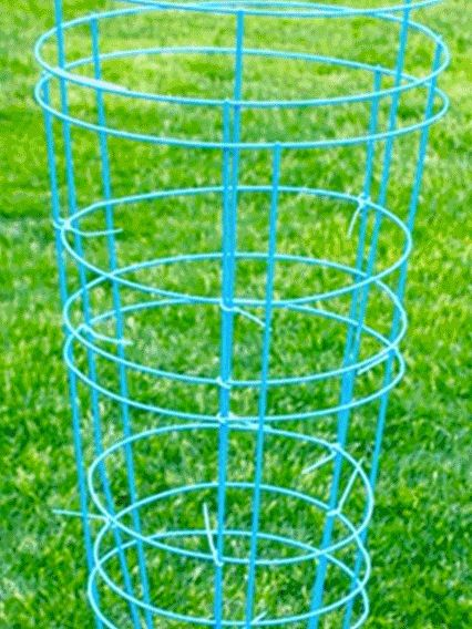 Giant Kerplunk | 13 Unique Lawn Games To Play This Summer