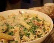 Ricetta facile e veloce: Tortiglioni salmone e piselli.Preparazione: 20′ Cottura: 25′ Esecuzione: facile In una padella fai rosolare i piselli con l'olio ….