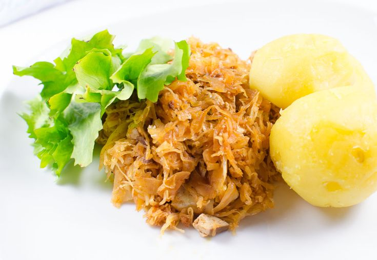 Veganes Ungarisches Sauerkraut mit Räuchertofu