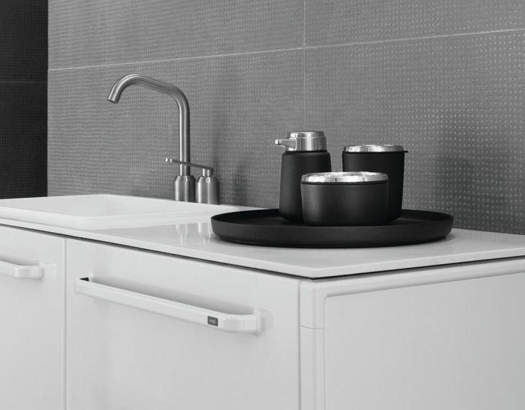die 25 besten ideen zu badezimmer tabletts auf pinterest waschbecken im bad dekor badz hler. Black Bedroom Furniture Sets. Home Design Ideas