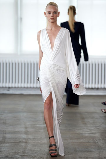 1000  images about White dresses on Pinterest  Gowns Anja rubik ...