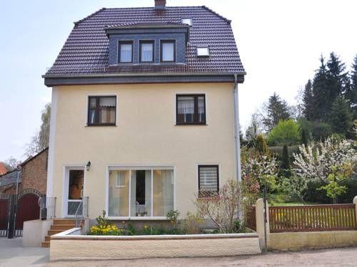 Inspirational Ferienwohnung Burg Stargard Neubrandenburg Ferienwohnung Burg Stargard offers acmodation just km from Neubrandenburg town centre
