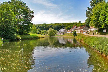 En Bourgogne, au fil du canal du Nivernais