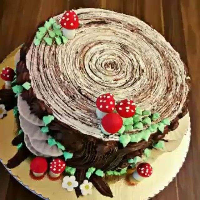 Que super fofo o bolo de tronco de árvore ! Ameiiiii! Um tutorial super fácil para você fazer!  @sihirlidokunuslar0 #loucaporfestas  #tutoriallpf #mukemmellezzetler #lezzetlerim #cheflerintarifleri #hayatburada #hayatimmutfak #videoyasam #mavipembesunum #cakesvideos #mutfaktasolenvar #mutfakgram #video_sweets #cakes_ideas_videos #cake.video #cakegridtr #chocolategridtr #paylasim_platformu #sweet_video #vscocam #instafood #instacake #instagood #instadaily #vscofood #pastry #chocolategridd…