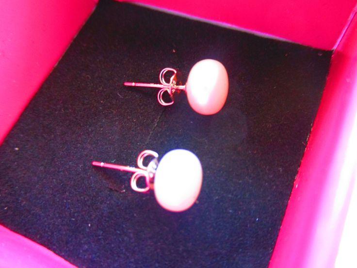 Sudraba auskari. Prove 925. Dabīgas saldūdens pērles 7-8mm.   Vairāk; http://www.daimar.lv/veikals/params/category/11958/