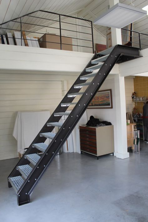 Escalier esprit industriel stair design pinterest - Escaleras metalicas plegables ...