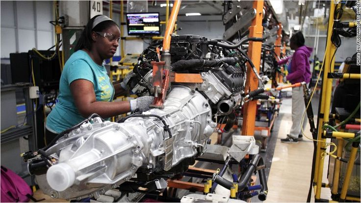 GM (GM) said Tuesday that it will distribute a record profit sharing payment to its 52,000 U.S. factory workers. This year's maximum payout for eligible workers is $12,000.