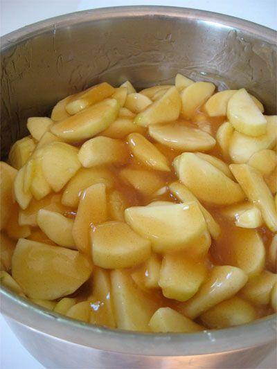 Apple pie filling a jar! You will love having apple pie, apple crisp all year long! www.skiptomylou.org #applepie #apples #recipes