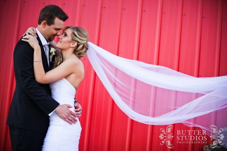Vancouver Wedding Photographer Butter Studios Michelle Michael Swan-e-Set Wedding