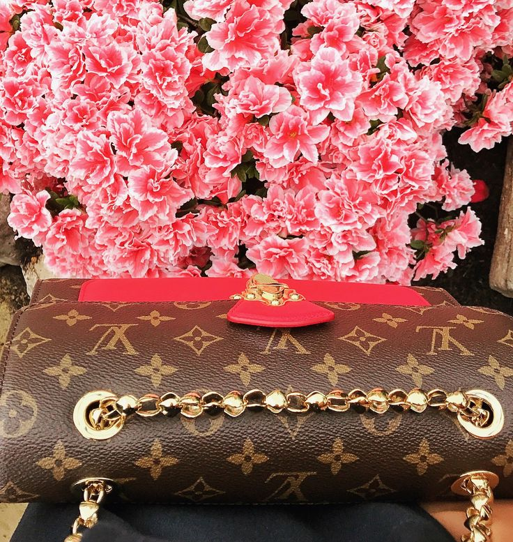 Beautiful Belgian Bloemen. https://www.instagram.com/firstandseven/ Design, luxury, accessories, Louis Vuitton, flowers, garden, royal, pink, Fashion, Denim, Blue,Look, Style, Streetstyle, Spring, Summer, 2017, ss17, Fashionista, Instafashion, Trend, Season, love, design, antwerp, belgium, shopping, shop, blog, blogger
