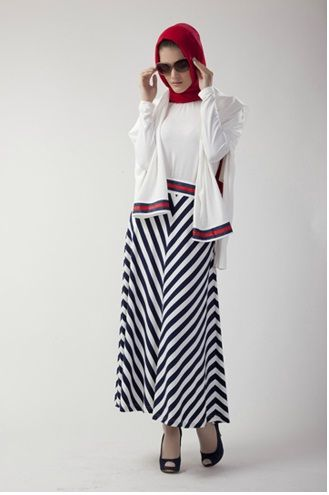 Here are someBeautiful Turkish Hijab Styles with nice clothes.