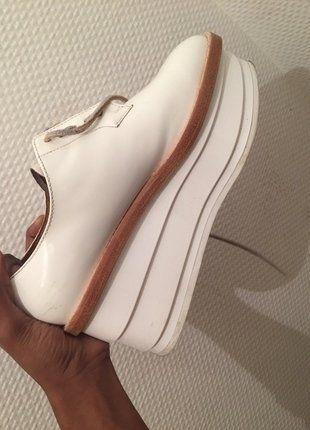 À vendre sur #vintedfrance ! http://www.vinted.fr/chaussures-femmes/derbies/26275029-derbies-plateformes-other-stories-neuves-avec-boite