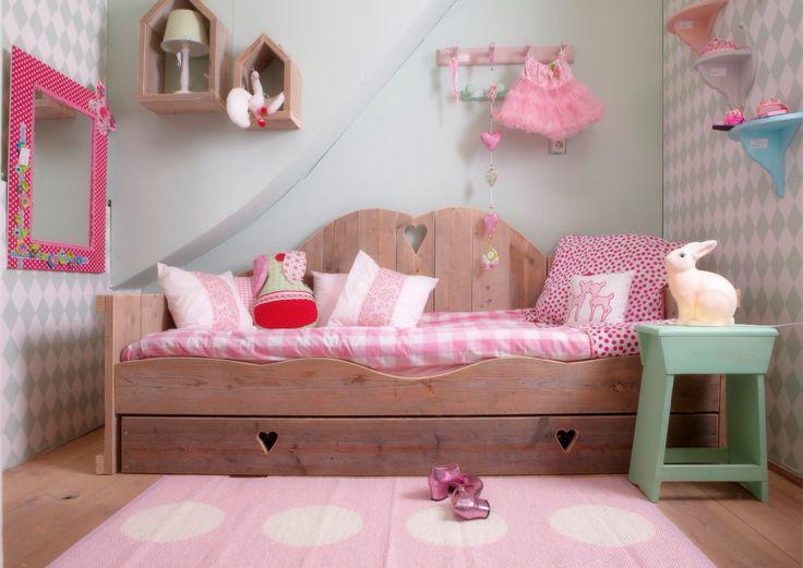 17 beste afbeeldingen over meisjes slaapkamer girls bedroom op pinterest kamers voor - Volwassen kamer schilderij idee ...