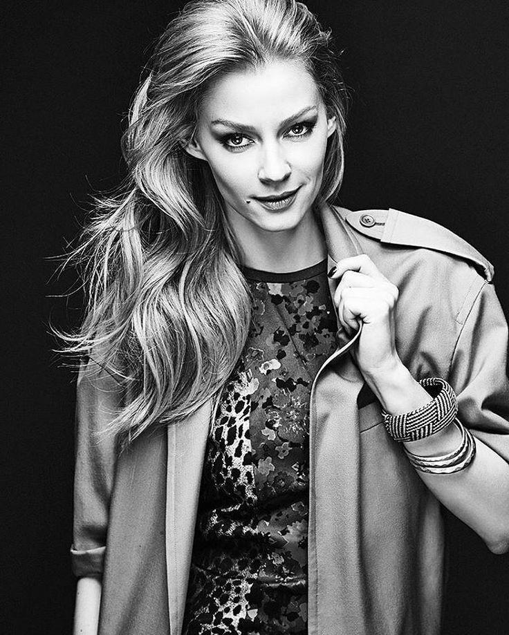 330 отметок «Нравится», 1 комментариев — Diana Pozharskaya (actress) (@dianapozharskaya__) в Instagram: «Ты здесь просто идеал ❤, и крутая такая ❤@svetlana_khodchenkova»