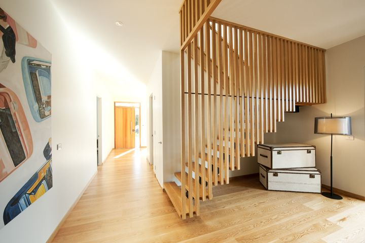 Modern | Feature Screen | Steel Centre Carriage | Open Stair | Closed Stair | Stained | American Oak | Timber | Precision | Design | Architecture