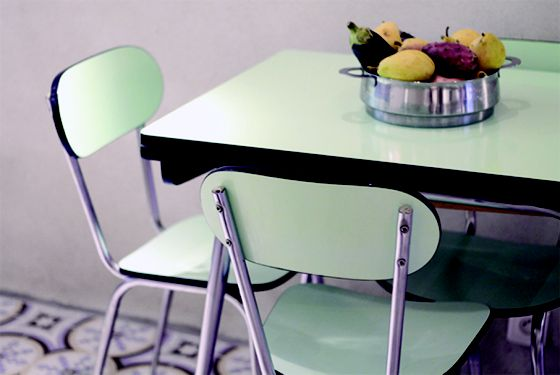 Les 25 meilleures id es de la cat gorie meuble formica sur pinterest table en formica commode for Buffet formica restaure