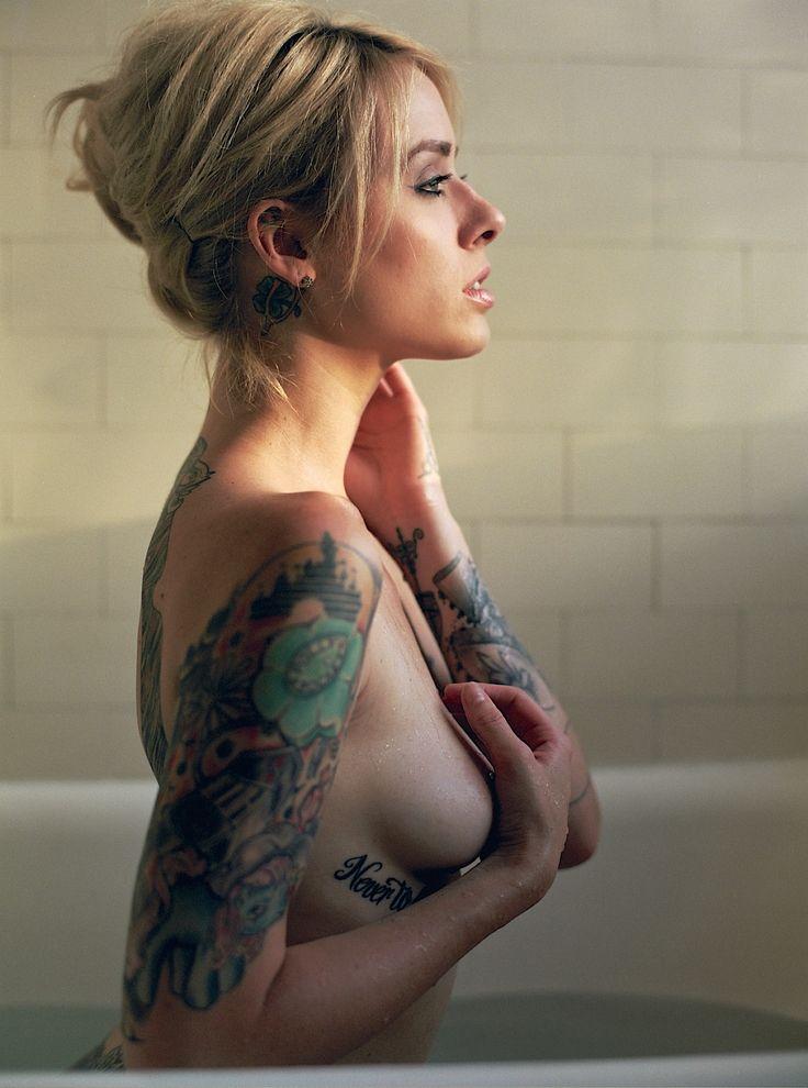 Hot female nude tattoo, comic con babe fucks