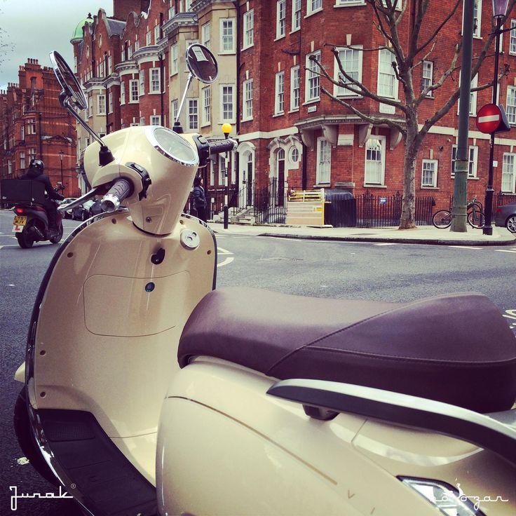 Junak Vintage Scooter in Chelsea retro skuter www.hoozar.co.uk