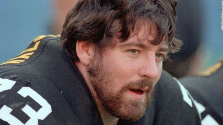 The death of 36-year-old Pittsburgh Steelers offensive lineman Justin Strzelczyk put the link between playing football and CTE in the national spotlight. Description from cnn.com. I searched for this on bing.com/images