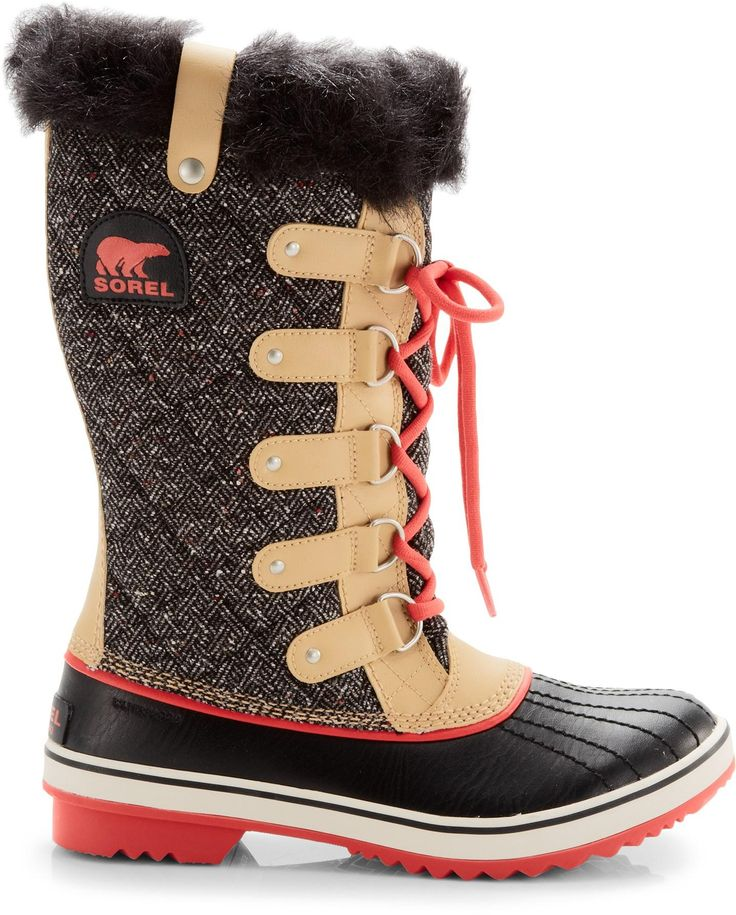 Runway-worthy and weather-ready, the Sorel Tofino Herringbone women's winter boots combine warmth and rugged waterproof protection with a touch of glam.