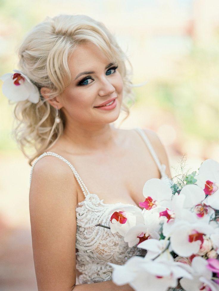 Romantic bridal hair with orchids (Kseniya Bunets)