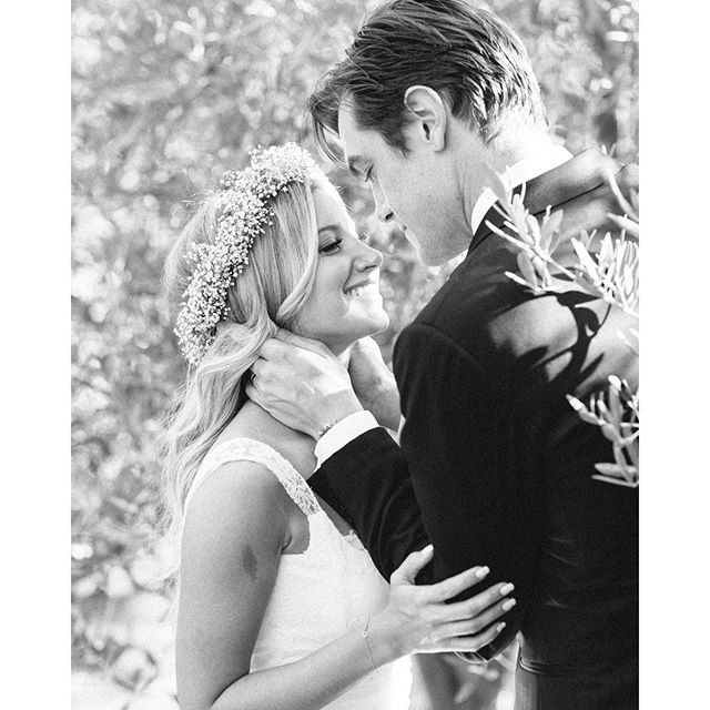 Pin for Later: Ashley Tisdale Celebrates Her Anniversary With the Most Romantic Wedding Snaps
