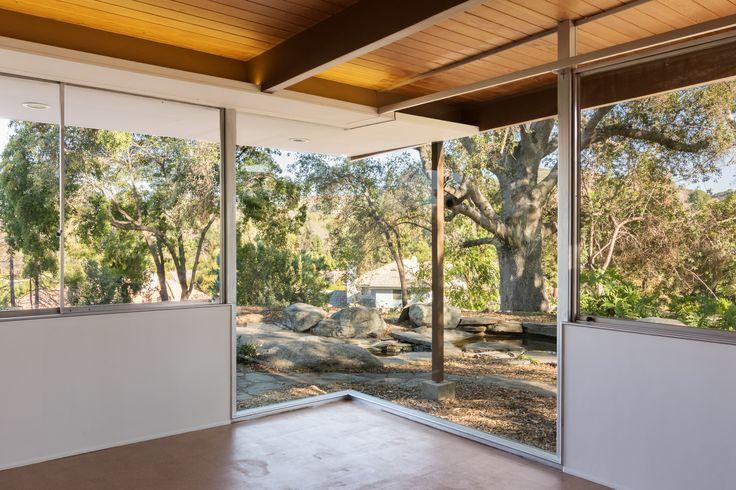 Neutra // J.M. Roberts Residence
