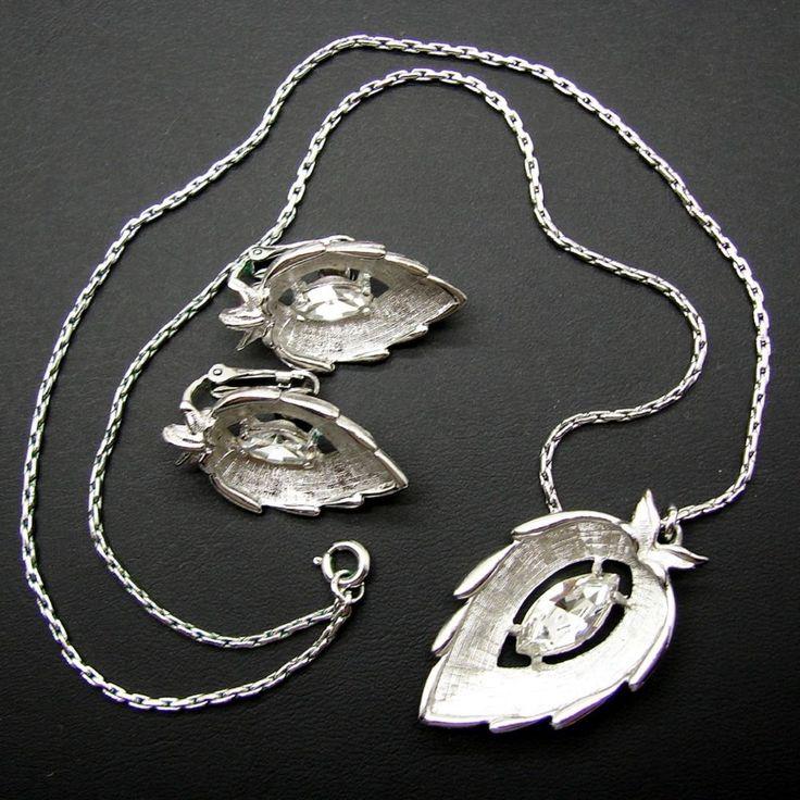 Vintage Sarah Coventry Silvertone Rhinestone Leaf Necklace