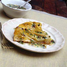 Indivia o belga, è perfetta in insalata ma anche come contorno, cotta, abbinata a varie pietanze