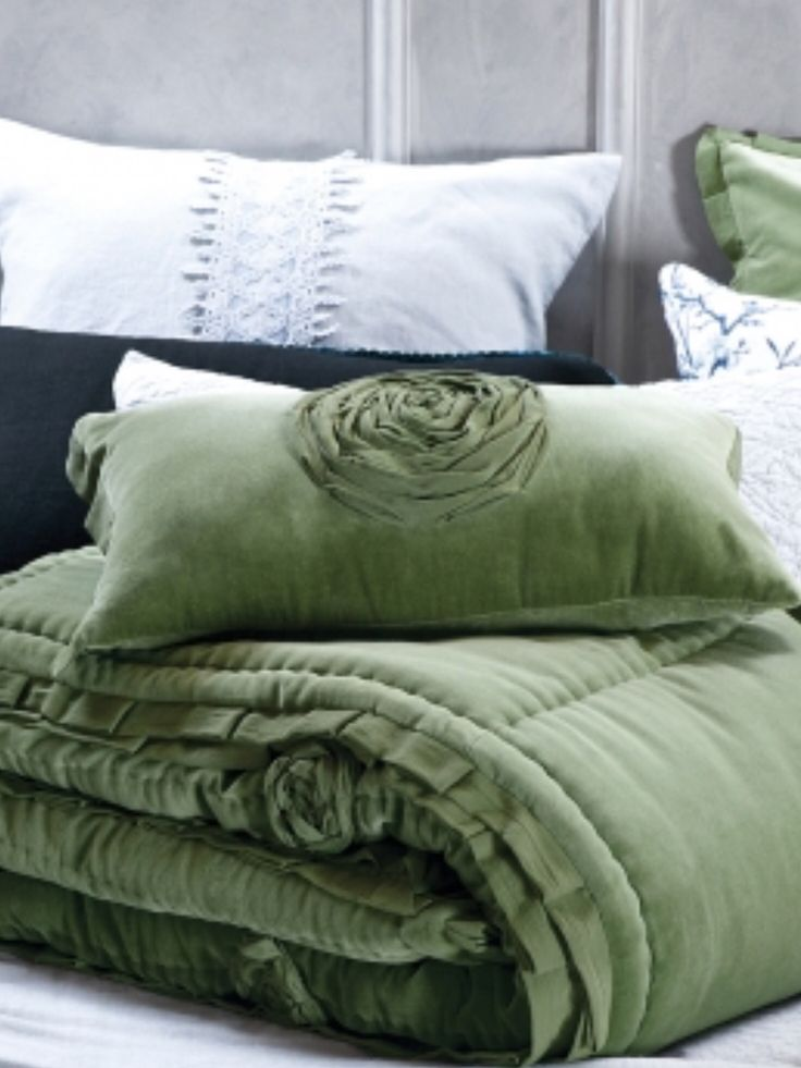Gorgeous luxurious puffy velvet comforter and cushion $680 delivered ( 200x 200 cm) Shop now champagnelifestyletascom.au