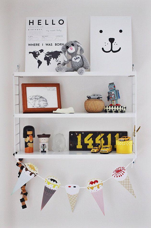 Ideas para decorar las estanter as de los dormitorios infantiles y no morir en el intento - Estanterias originales de pared ...