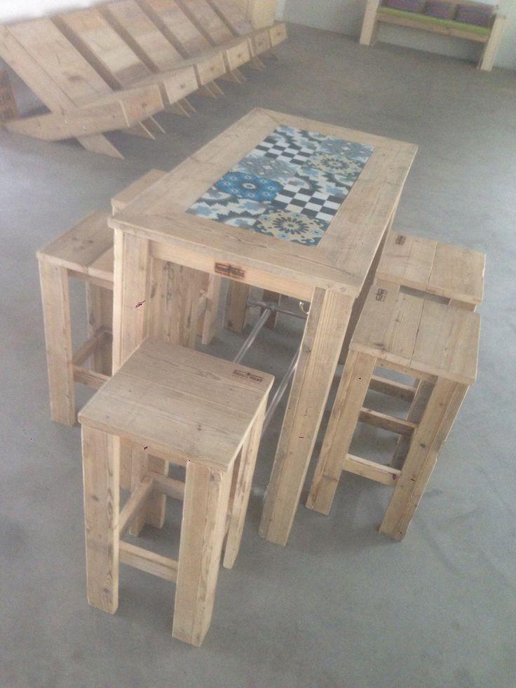 17 best images about made by hout vast hout sloophout staal steigerhout on pinterest beds - Hoogslaper met geintegreerde garderobe ...