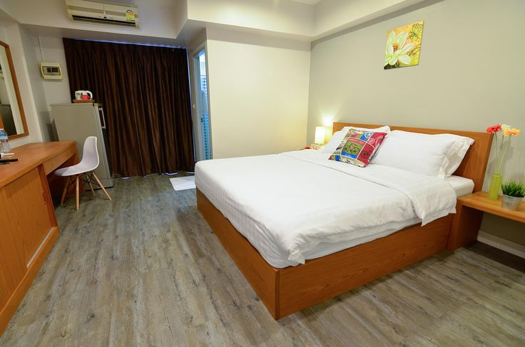 Rayong BJ Boutique Thailand, Asia BJ Boutique is perfectly located for both business and leisure guests in Rayong. The property features a wide range of facilities to make your stay a pleasant experience. Free Wi-Fi in all rooms, 24-hour security, convenience store, Wi-Fi in public areas, car park are on the list of things guests can enjoy. Designed for comfort, selected guestrooms offer complimentary tea, towels, wooden/parqueted flooring, clothes rack, complimentary instant ...