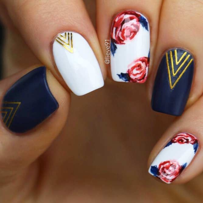 Your graduation nails will be the most outstanding at a party with the help of our tips. All your school girlfriends will envy your sophisticated manicure and ask you how you got inspired. In order to help you to choose the right prom nails, we have selected the trendiest nail art ideas for this year. #promnails #prom #graduation #graduationnails