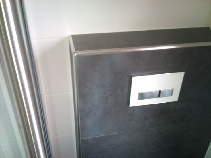 25 best toilet images on pinterest bathroom small toilet design and small toilet room - Wc tegel ...