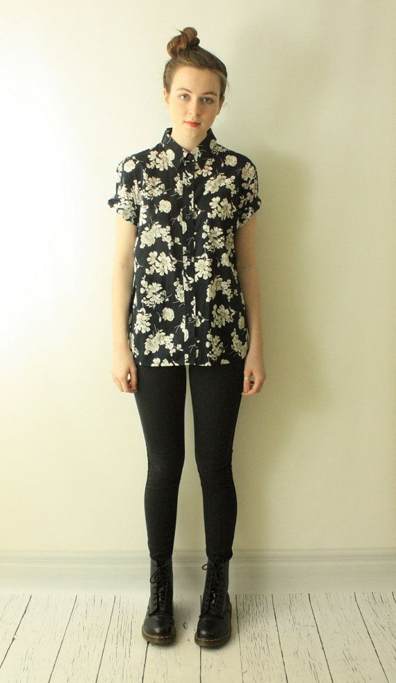 Vintage 90's GRUNGE Floral Flower Button Up Boyfriend Shirt // 90s HIPSTER Preppy Draped SLOUCHY Black Floral Revival Top