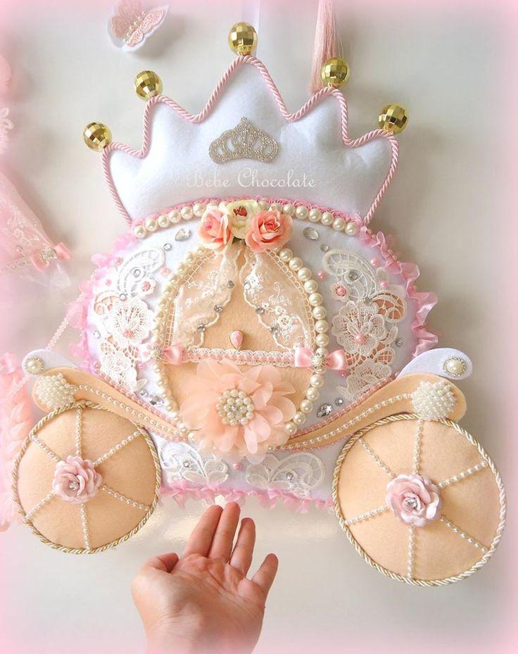 deniz kızı, keçe, takı yastığı, yastık, pillow, felt mermaid, bal kabağı araba kapı süsü, bebechocolate, keçe, felt, cindirella, door wreath, kapı süsleri, bebek kapı süsü, handmade, baby photoalbum, fotoğraf albümü, bebek, prenses, felt princess, felt craft, baby boy, prince, dekoratif keçe balkabağı araba