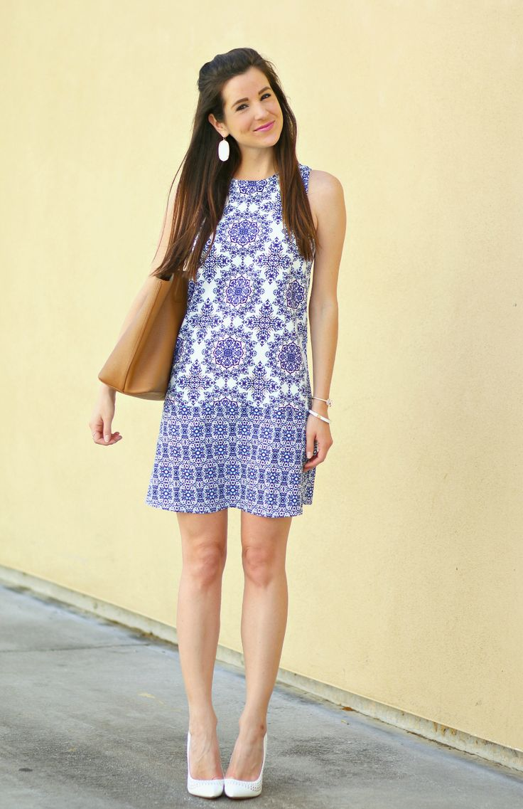 Such a pretty blue and white vintage print shift dress... would be so perfect as a spring wedding guest dress