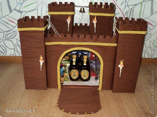 Поделка изделие День рождения Крепость Бумага гофрированная Картон Клей Сутаж тесьма шнур фото 3