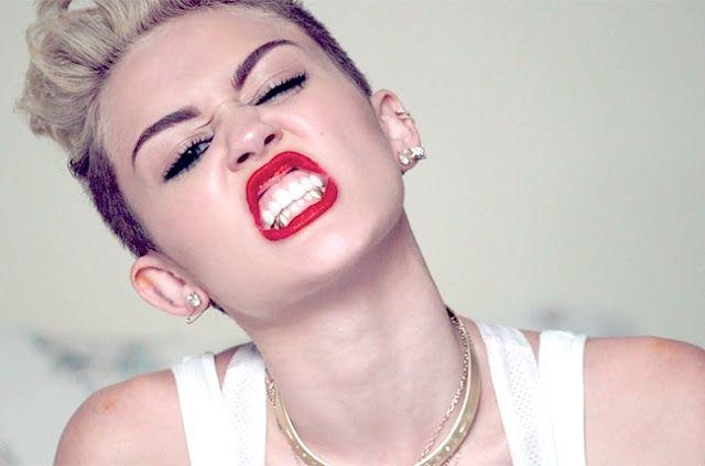 Miley Cyrus Hacks Ariana Grane's Facebook Account
