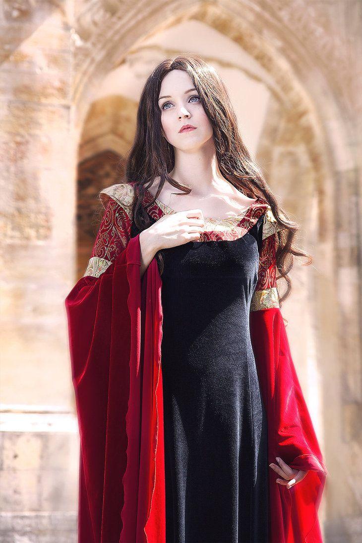 сделать вертикальные фотосессия в средневековом стиле фото алькатрасе, капоне уже