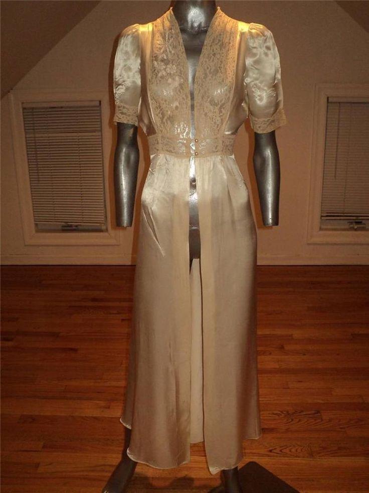Vintage 20s Pearl Penoir Robe Soie de Lys Dentelle Francaise Pearl Buttons S #Handmade, #LauraLaneReg, #Vintage20s
