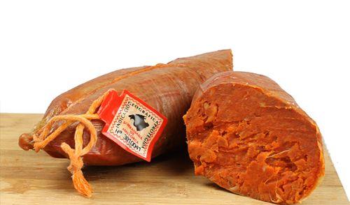 Sobrasada de Mallorca dulce. Se presenta en forma de chacina embutida, de color rojo anaranjado intenso. A temperatura ambiente, óptima para su consumo, se muestra untuosa, exenta de fibras y homogénea. Sabrosa y con un leve punto ácido muy agradable e inconfundible. http://www.porprincipio.com/jamones-y-embutidos/138-sobrasada-de-mallorca-dulce.html#