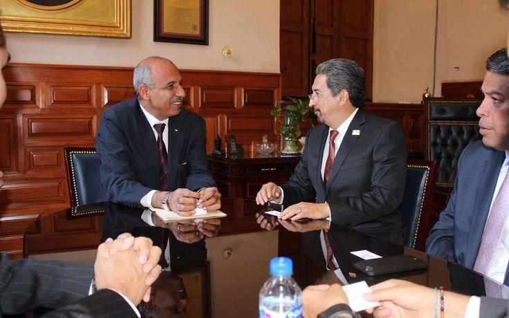 Los valores de Medio Oriente y América coinciden en la búsqueda de la paz entre las naciones, señaló Mohamed A. I. Saadat, en reunión con el rector de la Universidad ...