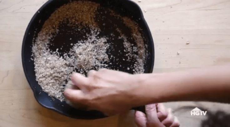 Tigăile de fontă sunt foarte utile și comode. În ele poți prepara practic orice – dejunul, prânzul, cina, diferite deserturi. Toate sunt bune și gustoase până vine timpul să curățați tigaia. Se mai întâmplă că ardeți mâncarea sau se lipește câte ceva când prăjiți. De aceea acest tip de tigaie are nevoie de un pic de efort pentru a o curăța, dar uneori pare a fi de necurățat. Nu trebuie să aruncați tigaia, ci trebuie să urmați acest mic truc și tigaia va străluci ca nouă. Totodată, va face…