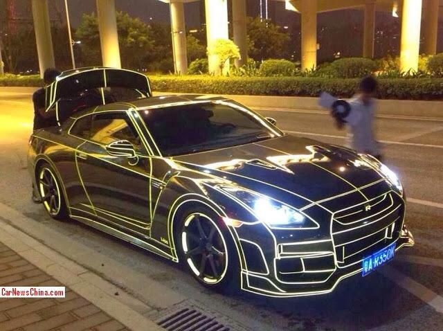tron themed nissan gt r beautiful piece of machinery. Black Bedroom Furniture Sets. Home Design Ideas